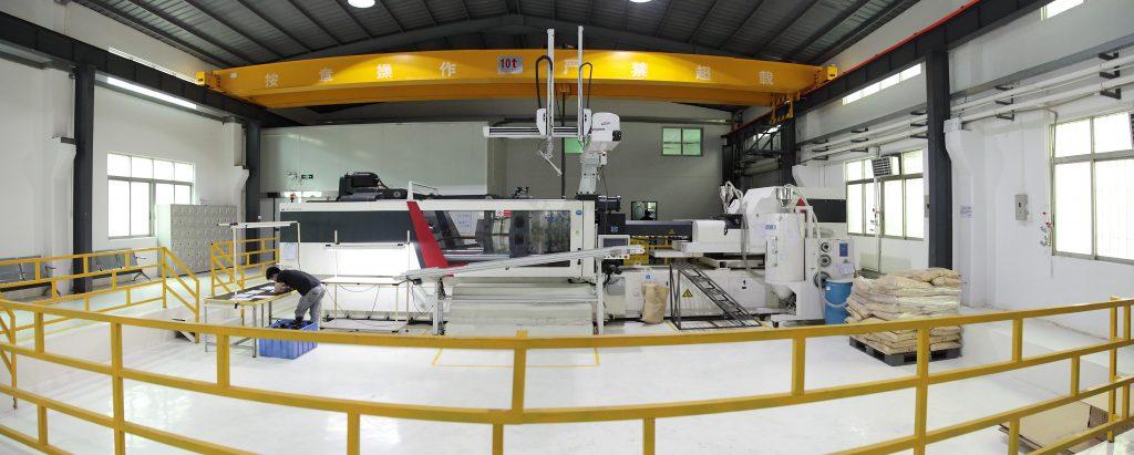 240 tonnes Injection Molding Machine