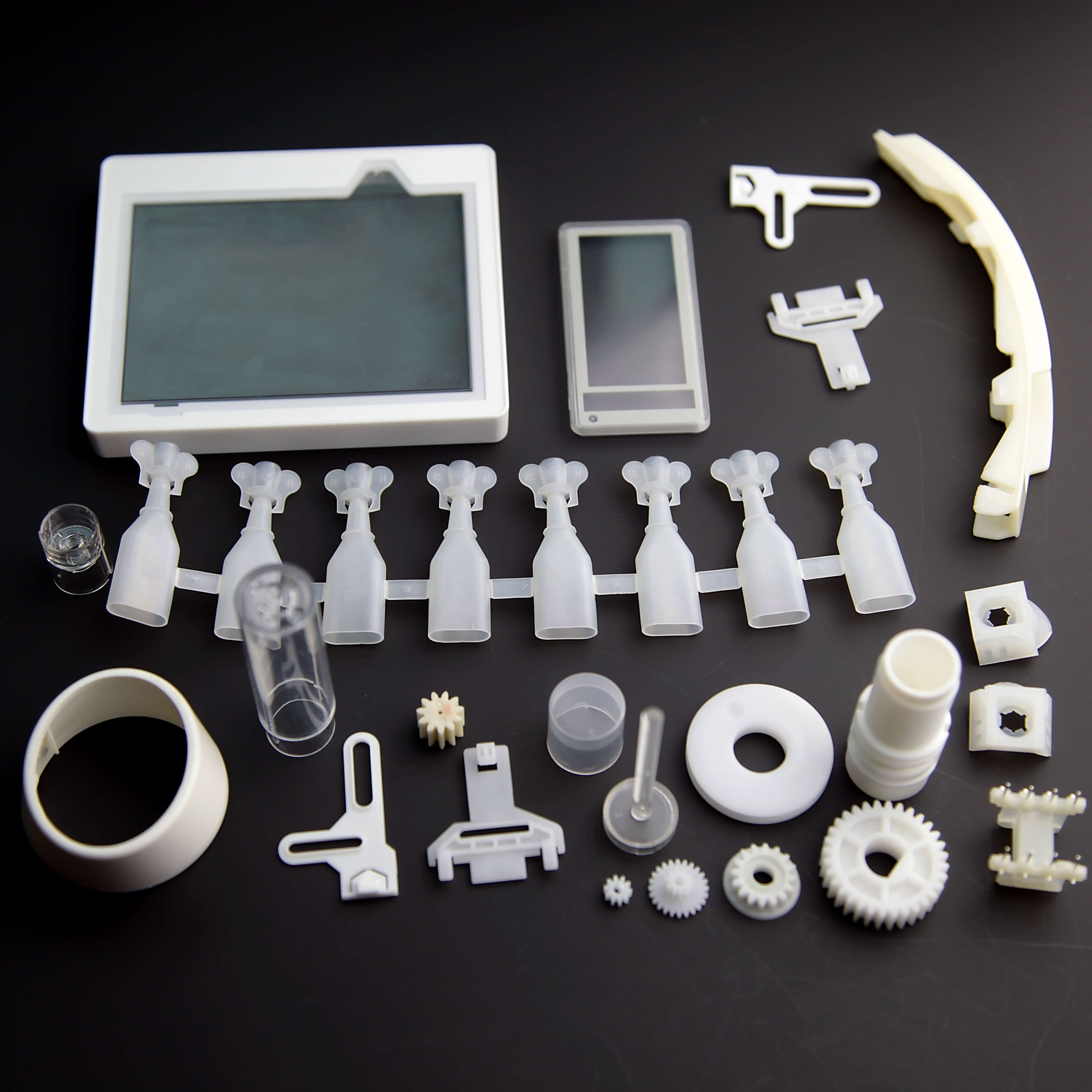 Mass-production-of-plastic-injected-parts.jpg